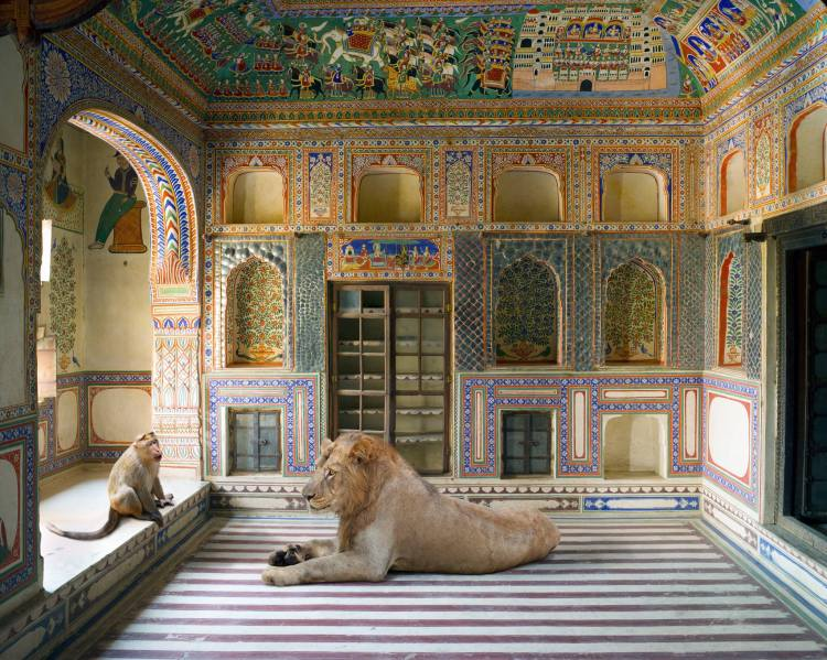 Karen Knorr_The Parampara, Ramlalji Jainarayan Tibrewala Haveli, BissauFrom the series India Song, 2008-2015